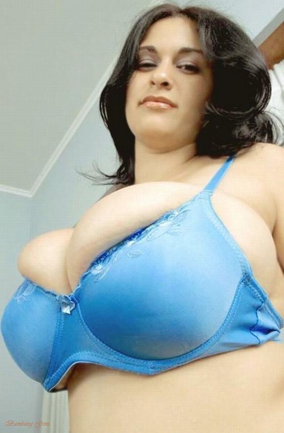 фото огромных грудей